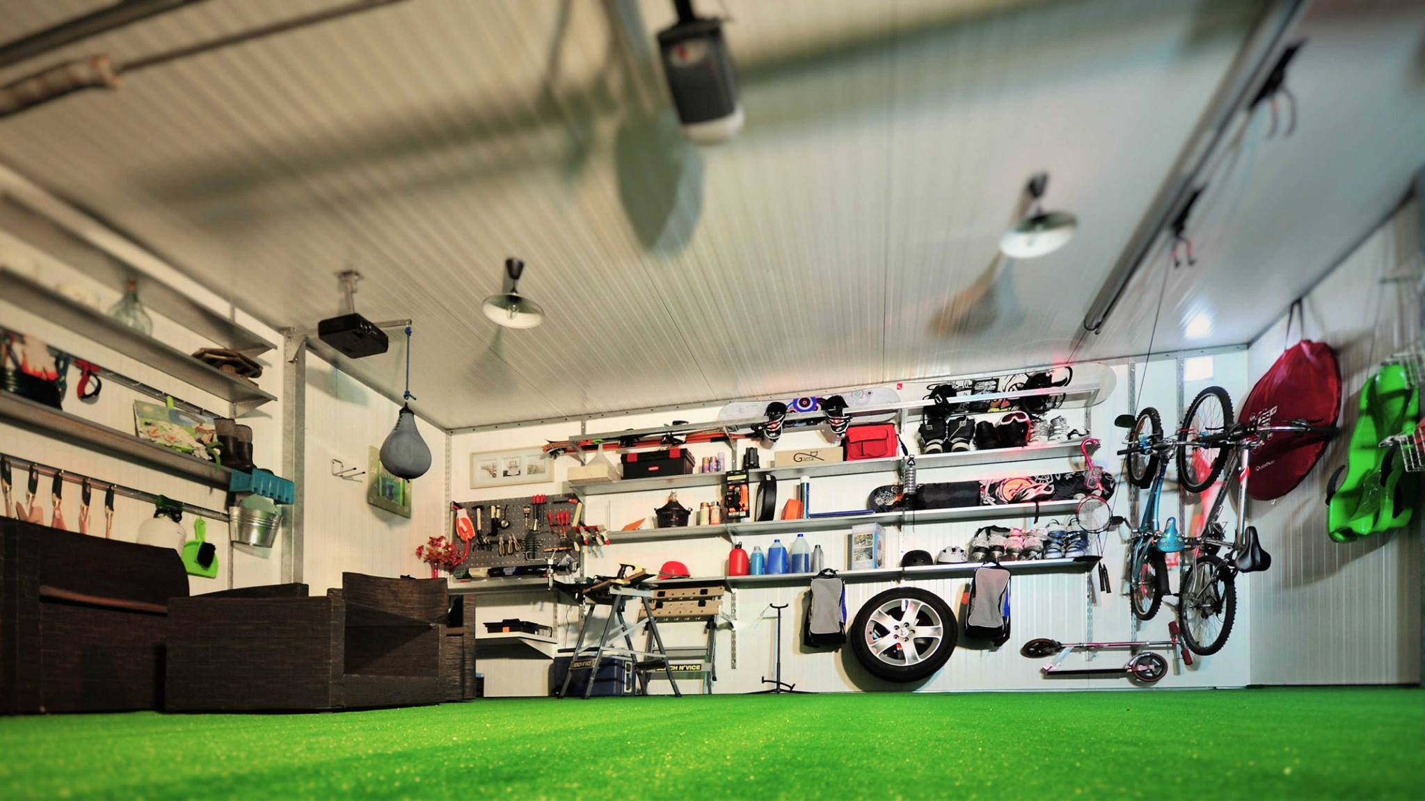 Warsztat w garażu
