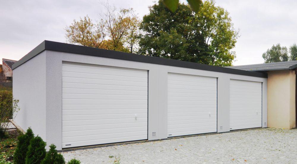 Garaż tynkowany Uno-Classic - 3 samochody, 9,0 x 6,0 m