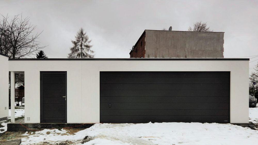 Garaż tynkowany Uno-Plus - 2 samochody + miejsce gospodarcze + wiata, 9,0m x 5,7m