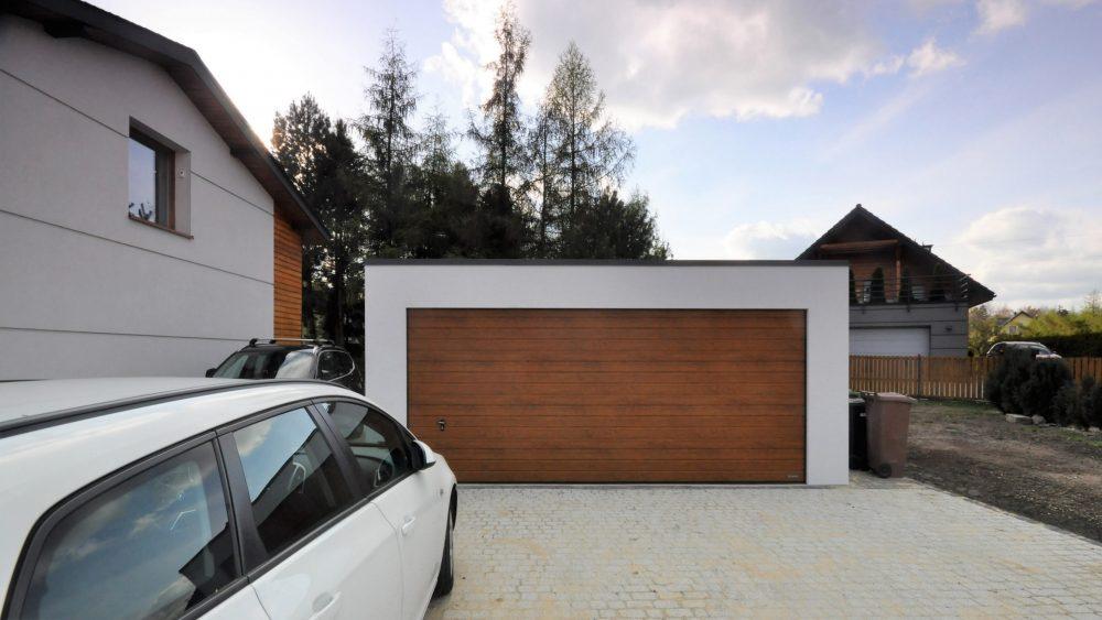 Garaż tynkowany Uno-Plus - 2 samochody, razem szer.6,0m x dł.5,80m może być wykonany w innych wymiarach.