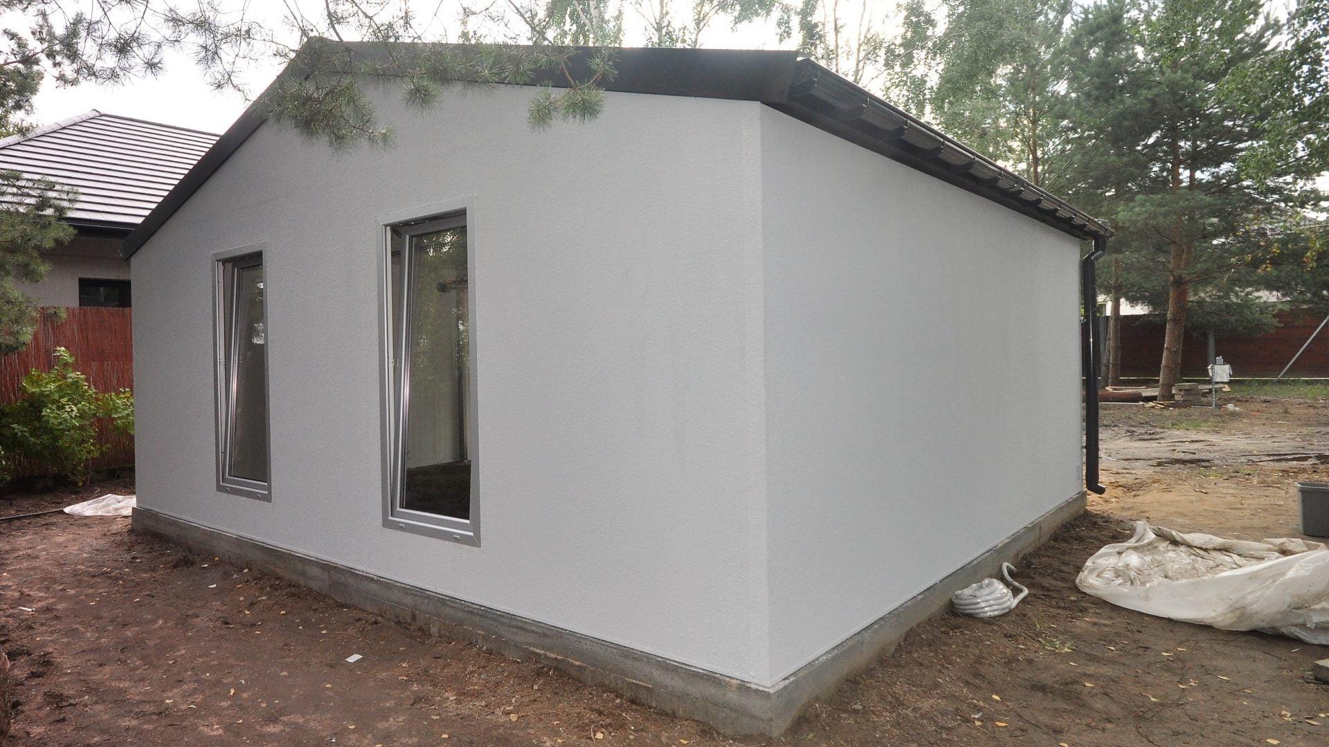 Garaż tynkowany Duo-Classic - wraz z okienkami, 6,0 x 5,7 m